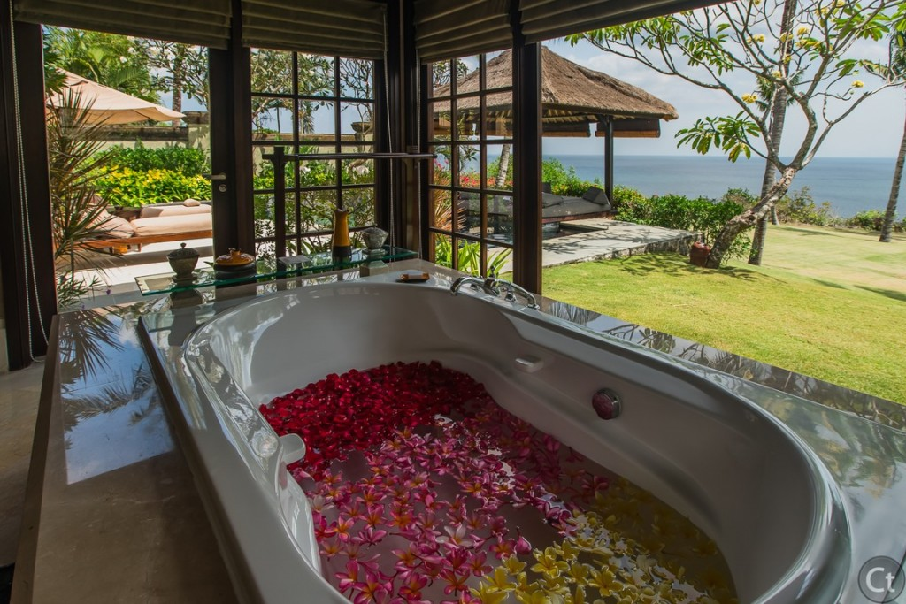 The sexiest bathroom setting ever, Ayana Pool Villa