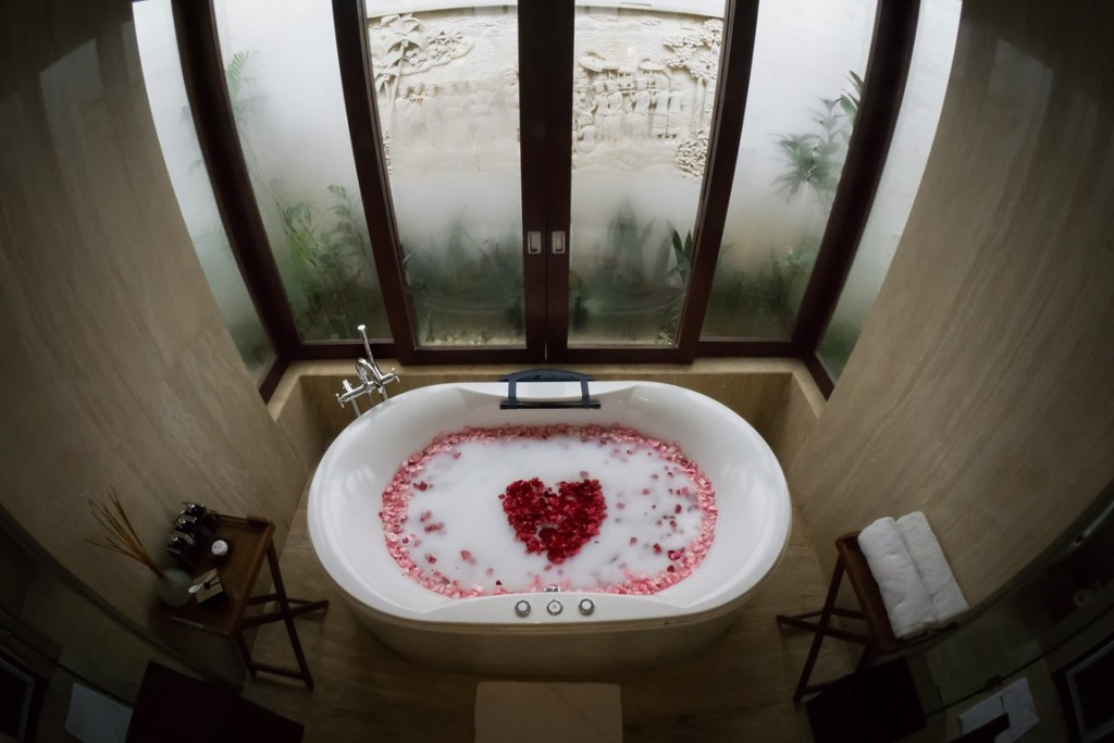 Romantic Bath Set Up